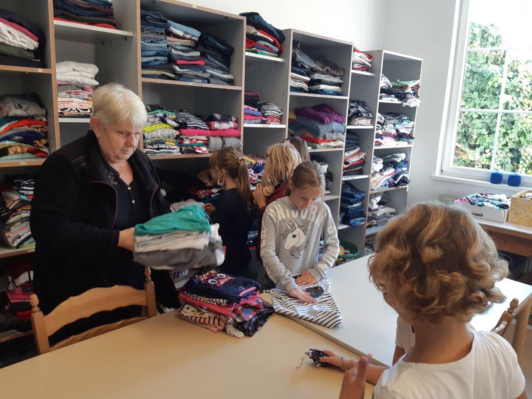 VS Pinkafeld, Beitrag, Religion, Caritasladen